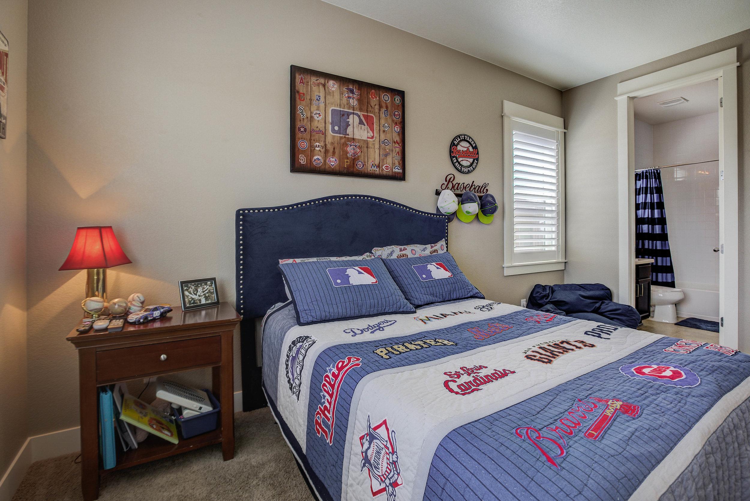20523+Northern+Pine+Avenue_Bedroom2B.jpg