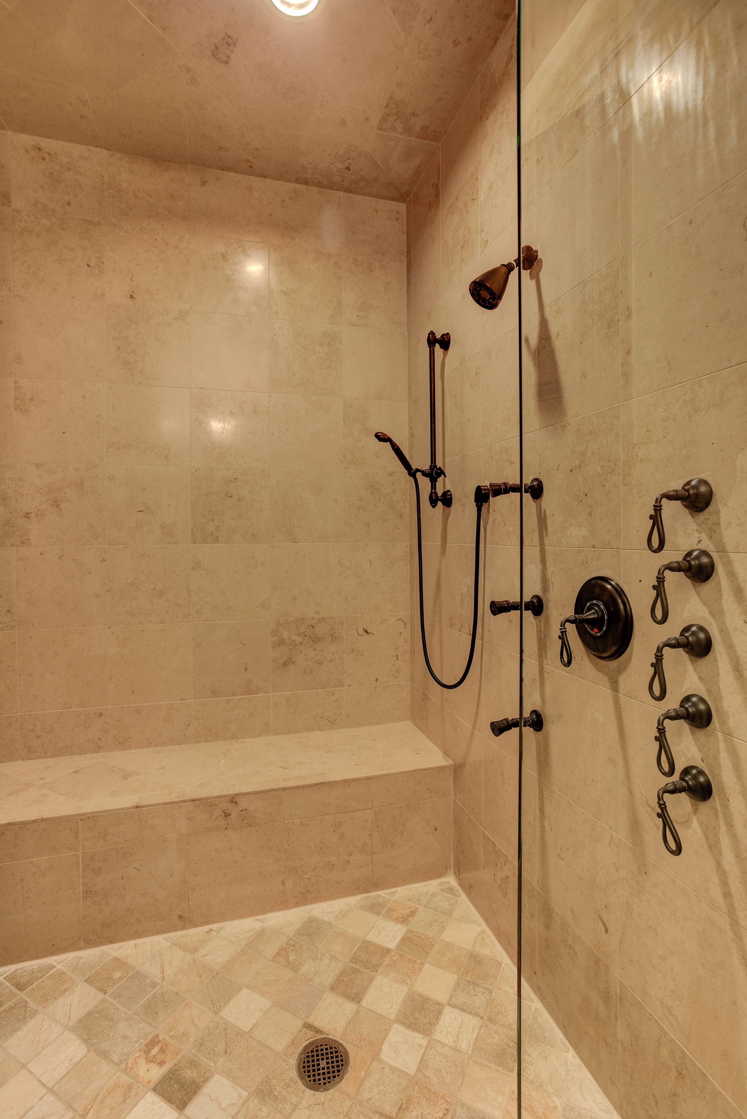 7+Eagle+Pointe+Lane_Bathroom2shower.jpg