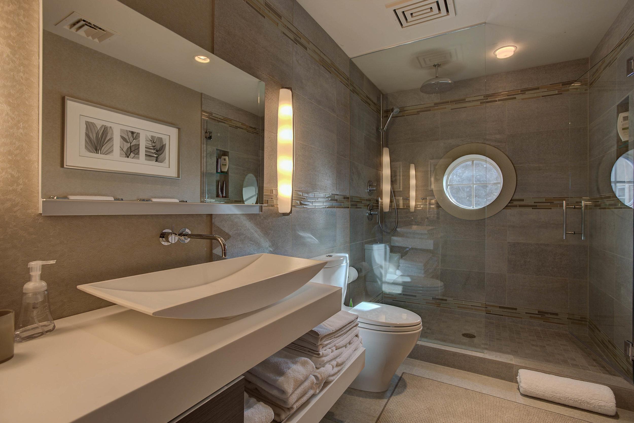 Joe Cocker_Bathroom4.jpg
