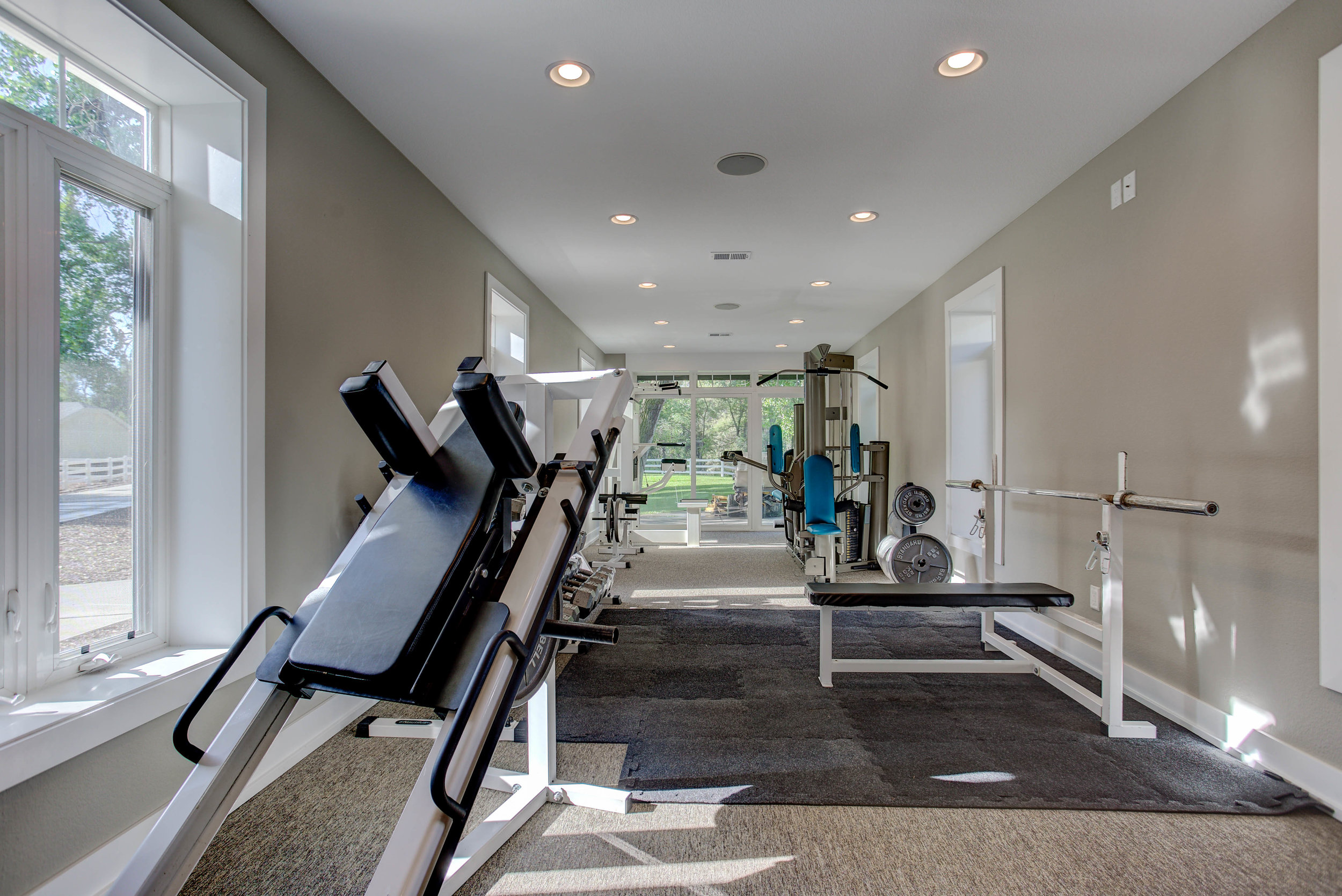 11229 North 75th Street_GuestHouse_WorkoutRoom.jpg