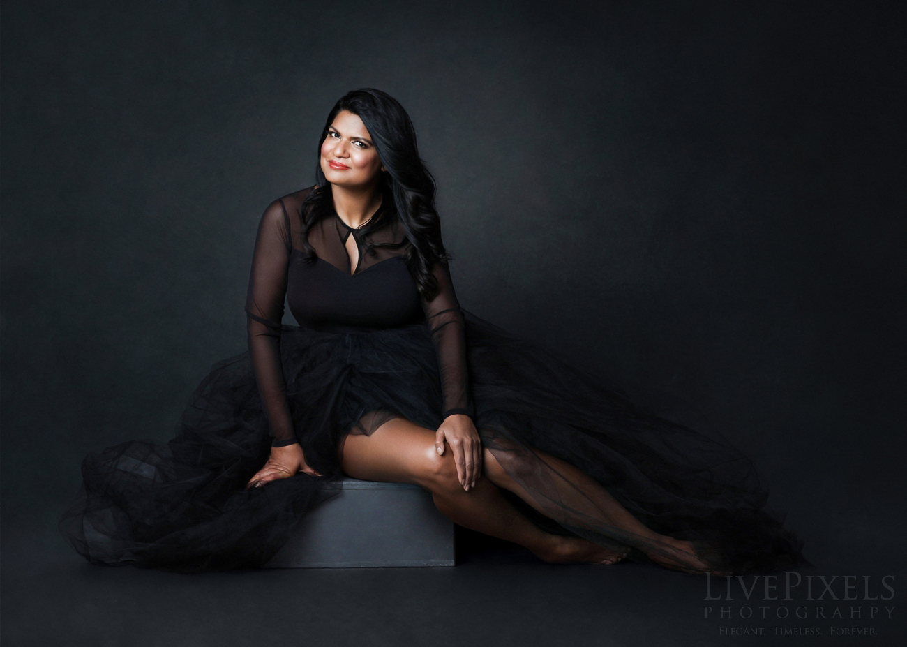 Beautiful feminine portrait - Oakville photography studio.jpg