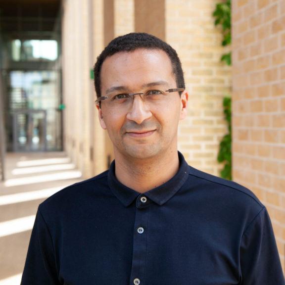 Yassine El Ouarzazi - 项目总监——创新
