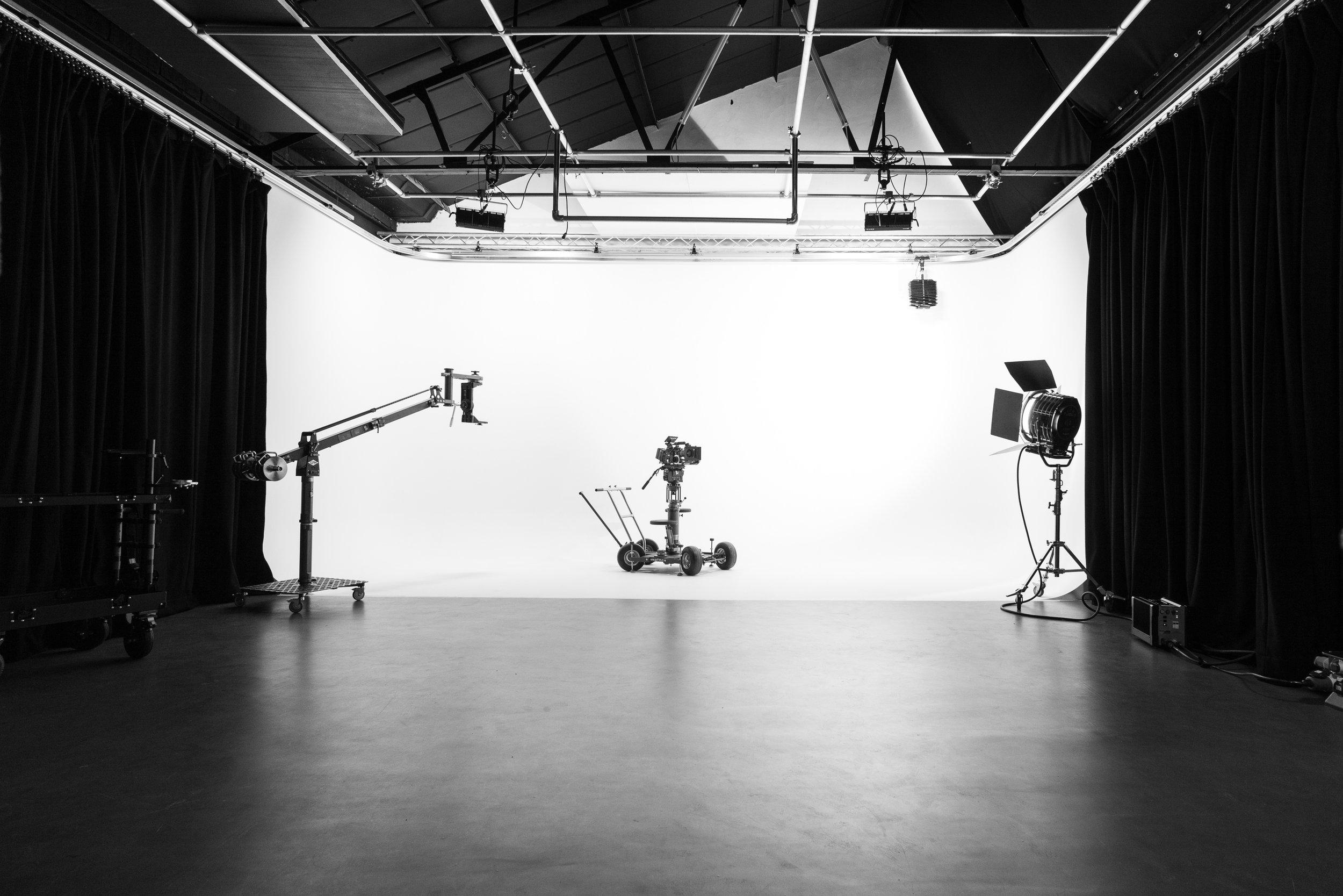 studio-8582-2.jpg