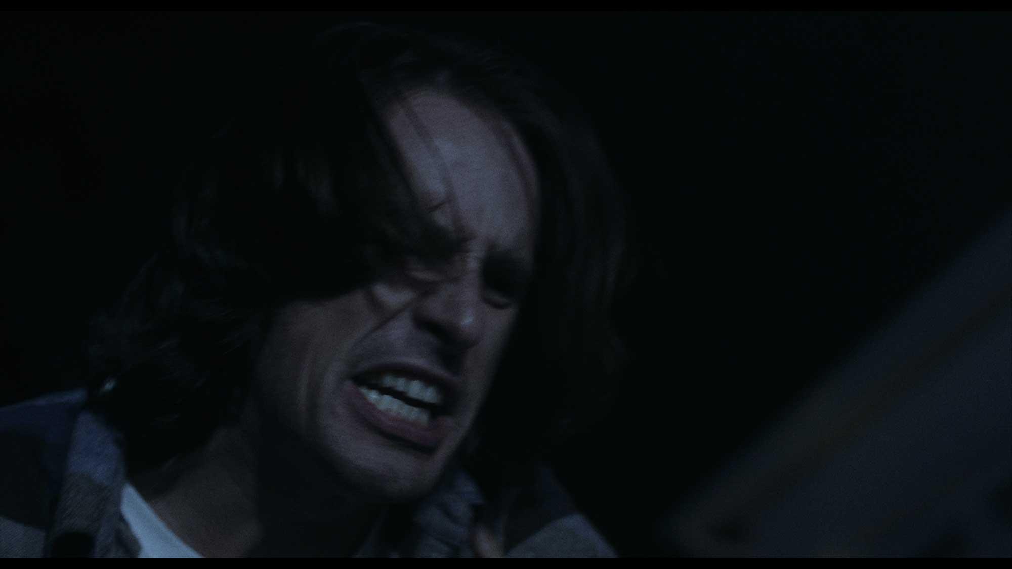 """""""a film that mixes terror with fantasy"""" - -Terror En El Cine"""