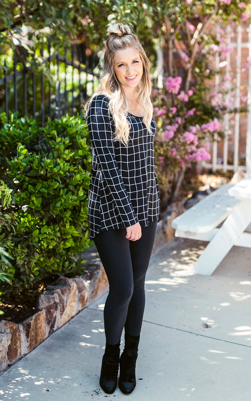LuLaRoe-Lynnae-Long-Sleeve-Scoop-Neck-Top-black-and-white-checkered.jpg