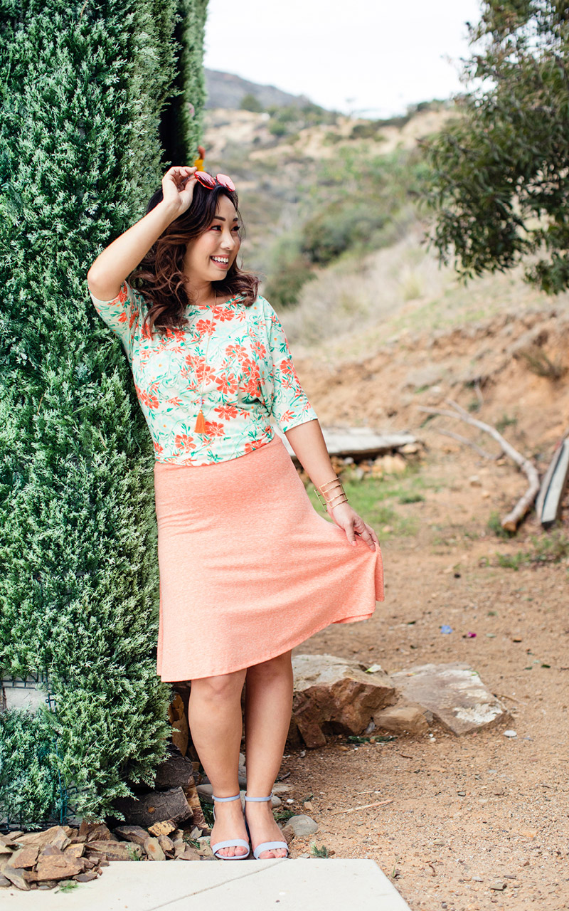 LuLaRoe-Azure-Mid-Length-A-Line-Skit-With-Yoga-Band-heather-peach-color.jpg