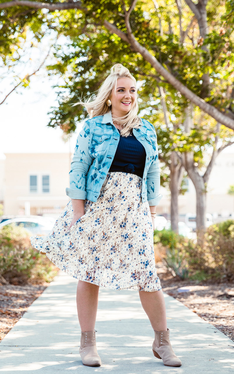 LuLaRoe-Lola-Mid-Length-skirt-with-elastic-waistband-white-and-blue-floral.jpg