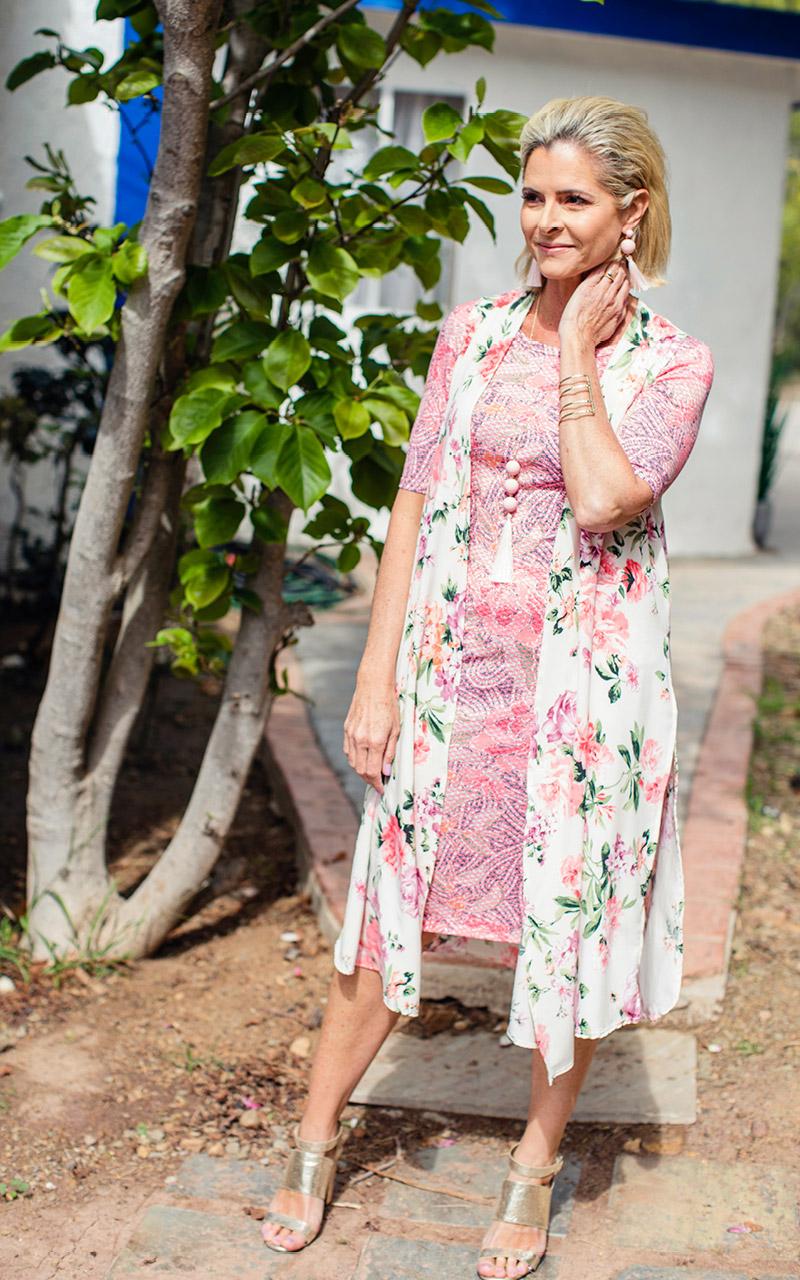 LuLaRoe-Julia-Mid-Lenght-Sheath-Dress-pink-pattern.jpg