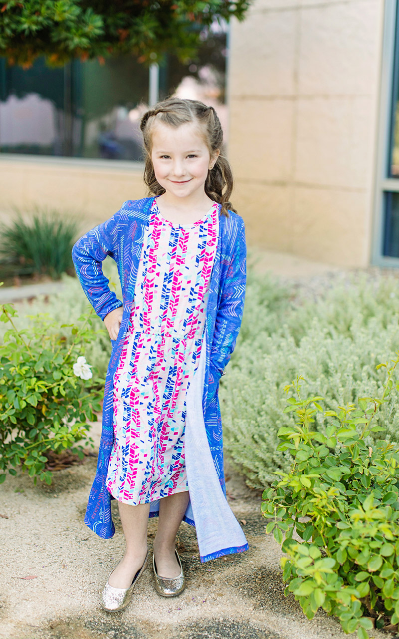LuLaRoe-Sariah-Kids-Long-Cardigan-With-Pockets-blue-arrwos.jpg