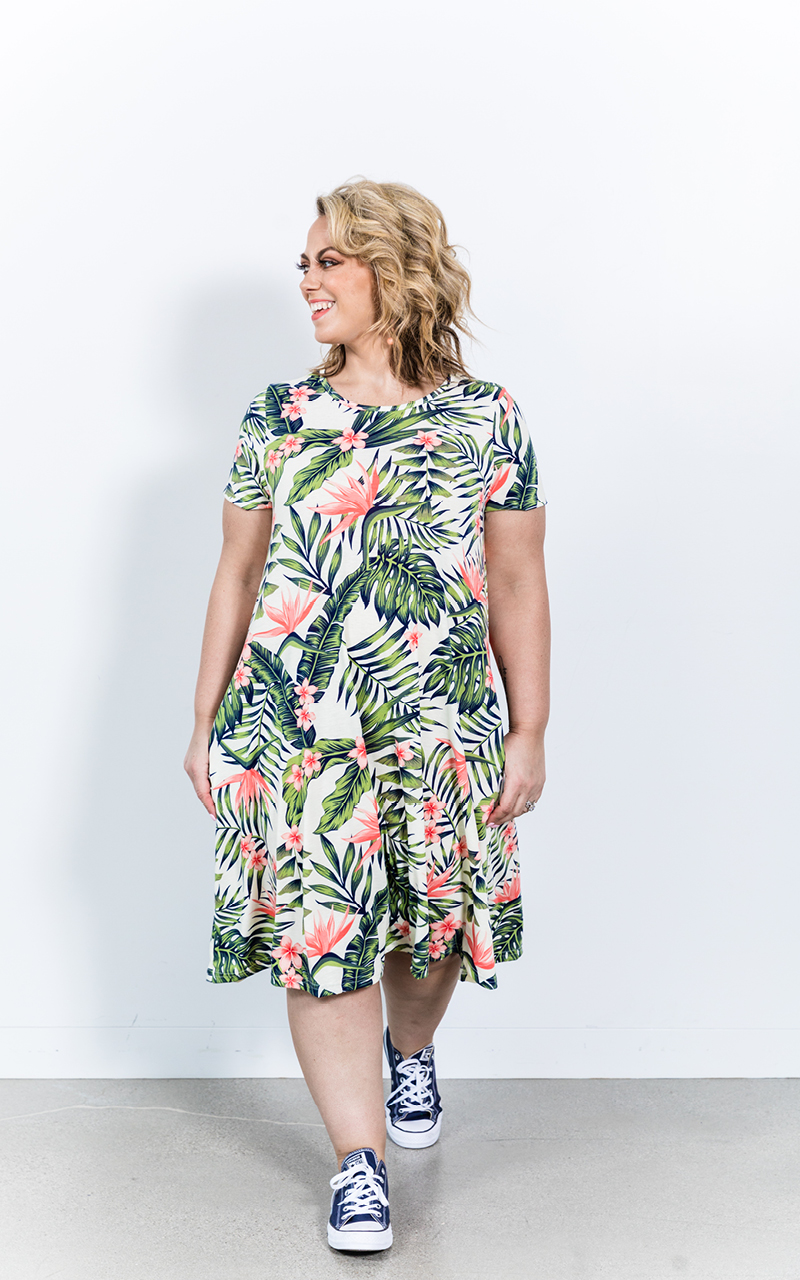 LuLaRoe-Jessie-T-Shirt-Dress-With-Pockets-tropical-leaves.jpg