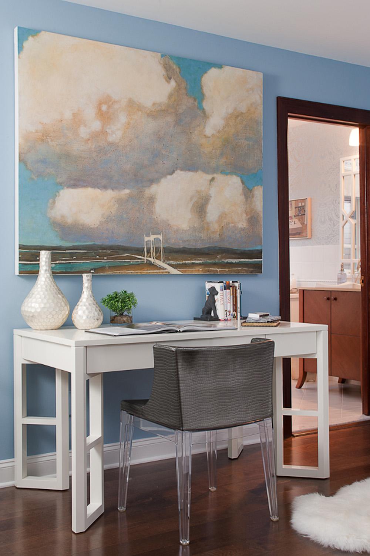 Grayer-2011-DS-desk.jpg