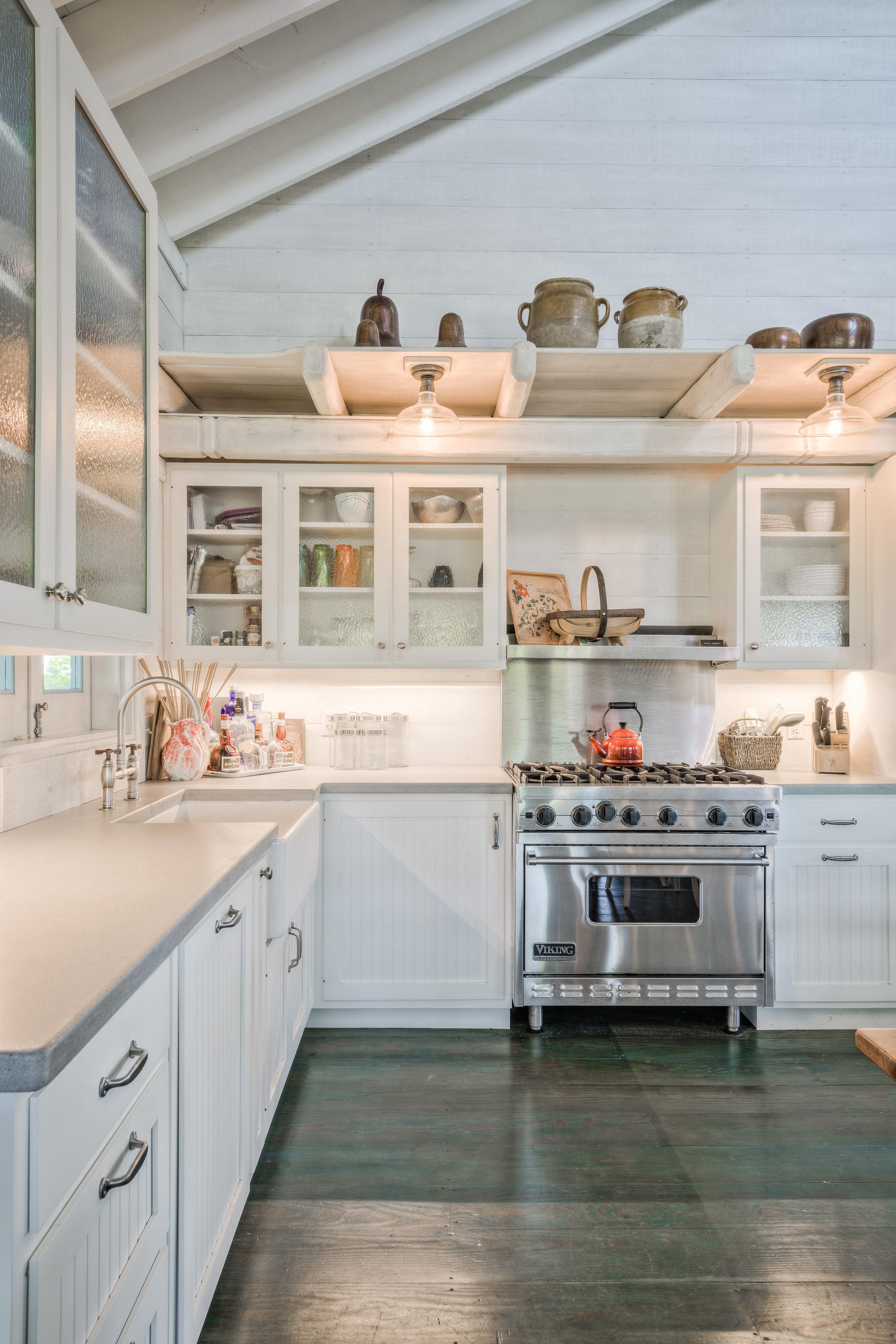 Rustic Tropical Paradise Open-Concept Kitchen Space – Detail
