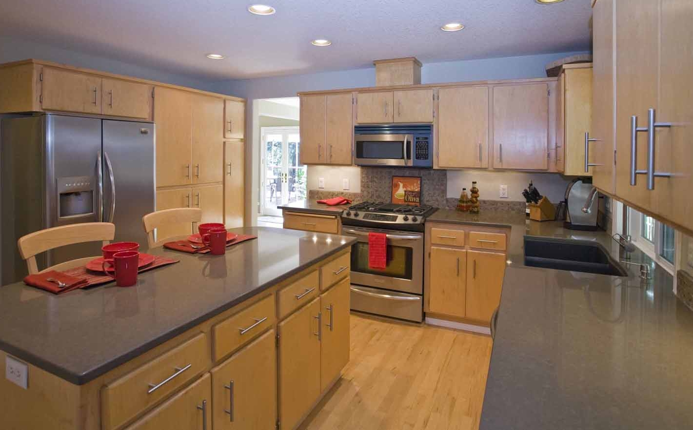 Kitchen tops & appliances 2.jpg