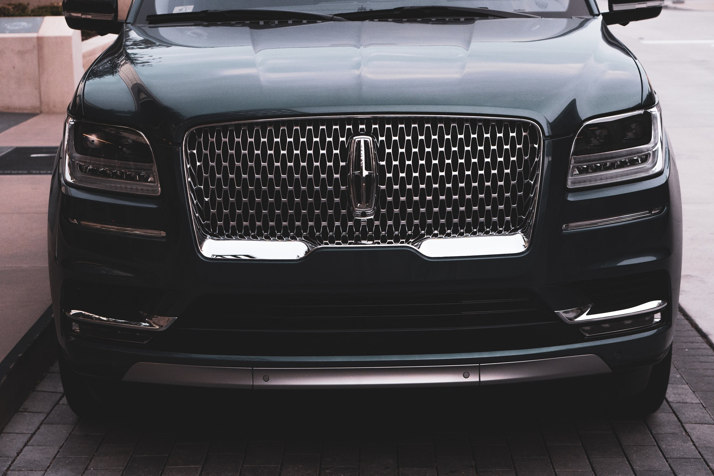 A Lincoln Navigator not involved in the fatal crashes. Photo by Kyrillos Samaan courtesy of Unsplash.