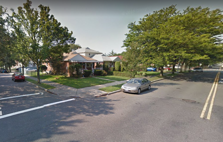 Google Maps image of the intersection of 264th Street and 79th Avenue. Photo via Google Maps.