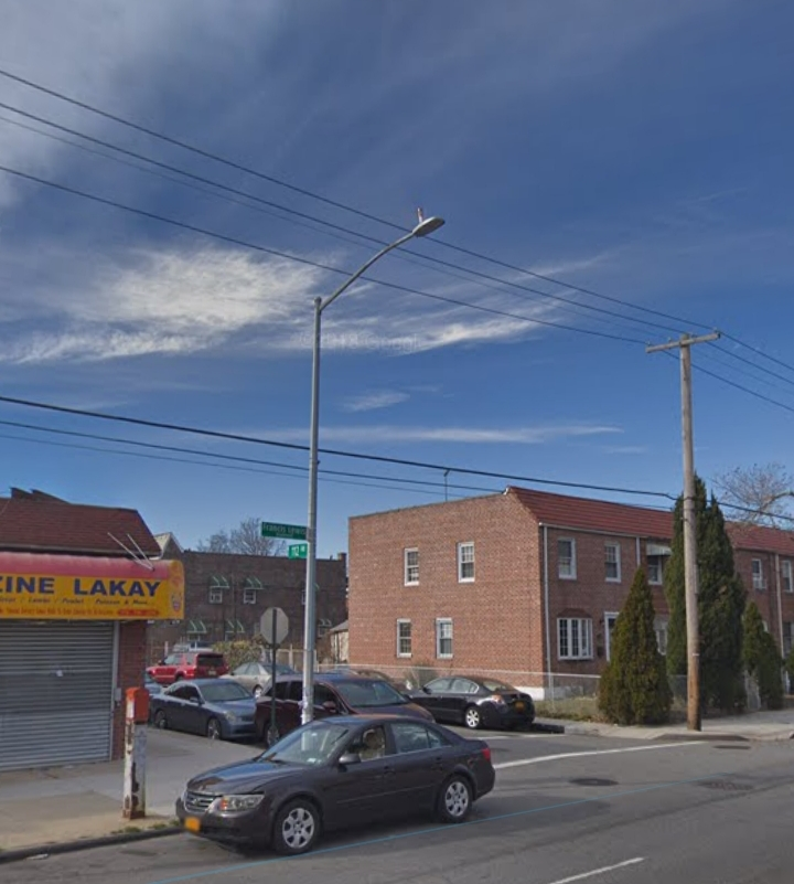Intersection of Francis Lewis Boulevard and 112nd Road in Queens Village. Photo courtesy of Google Maps