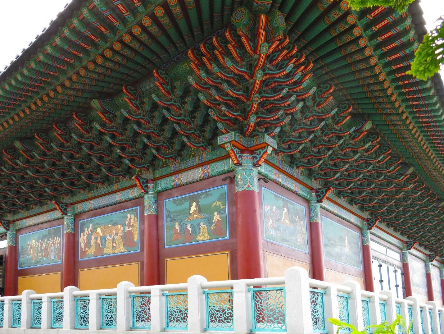 Han Ma Um Zen Center of New York in Flushing won the award for best new constructions among religious buildings.