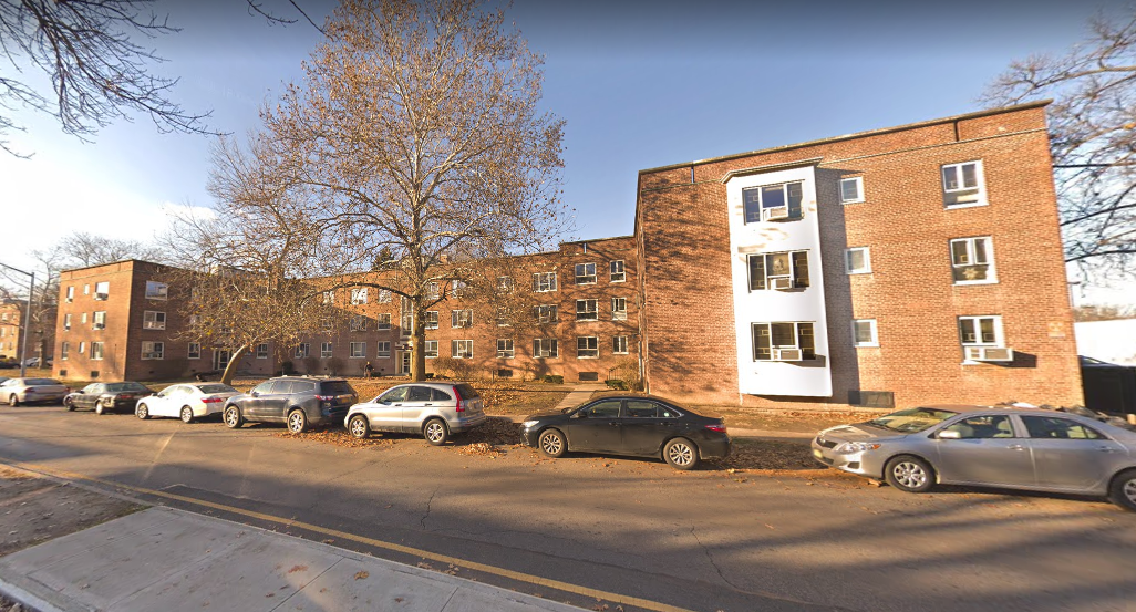 The Fresh Meadows apartment building where the domestic dispute occurred. Photo via Google Maps.