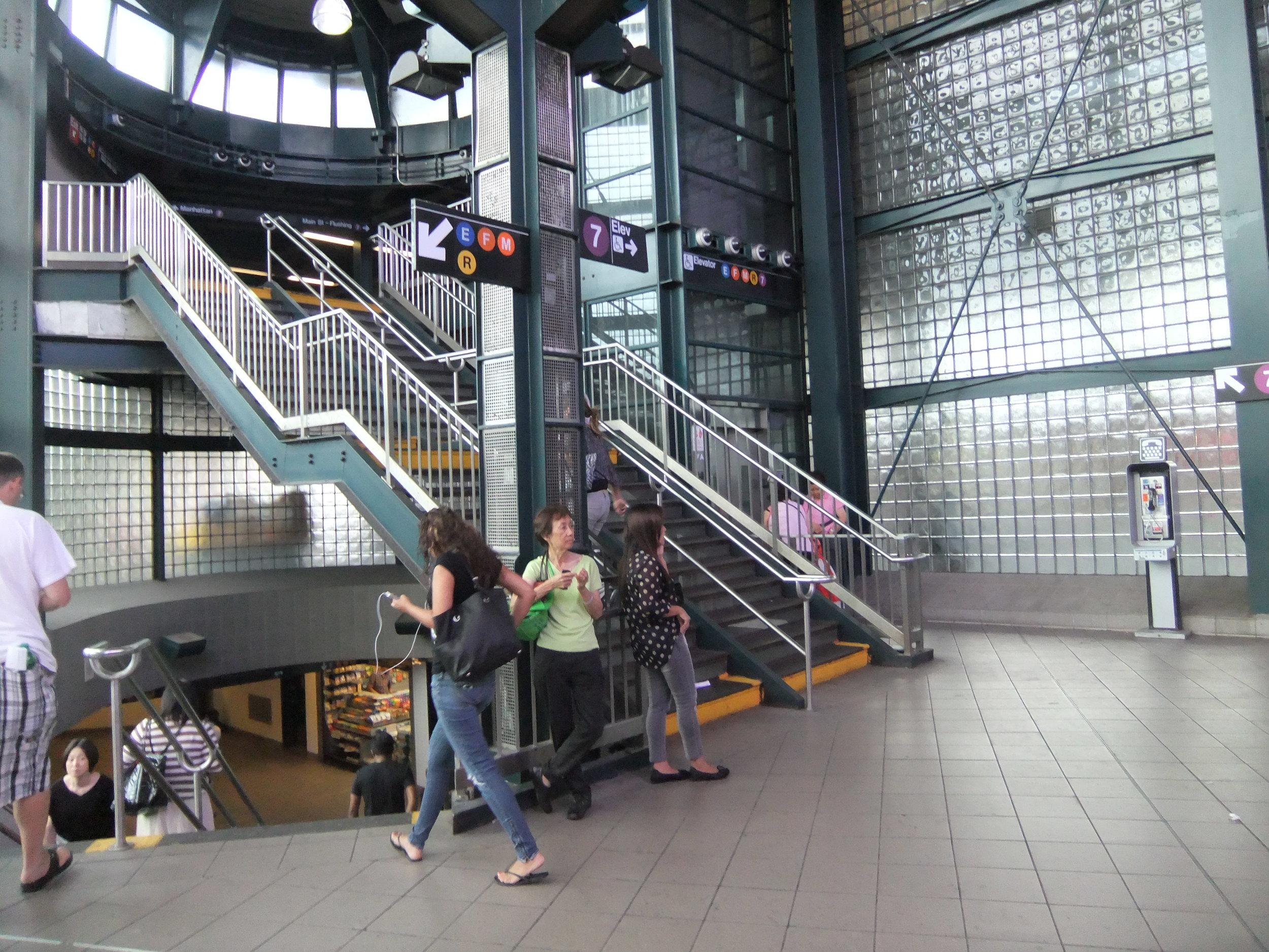 The Roosevelt Avenue-Jackson Heights subway station. Harrison Leong via Wikimedia Commons.