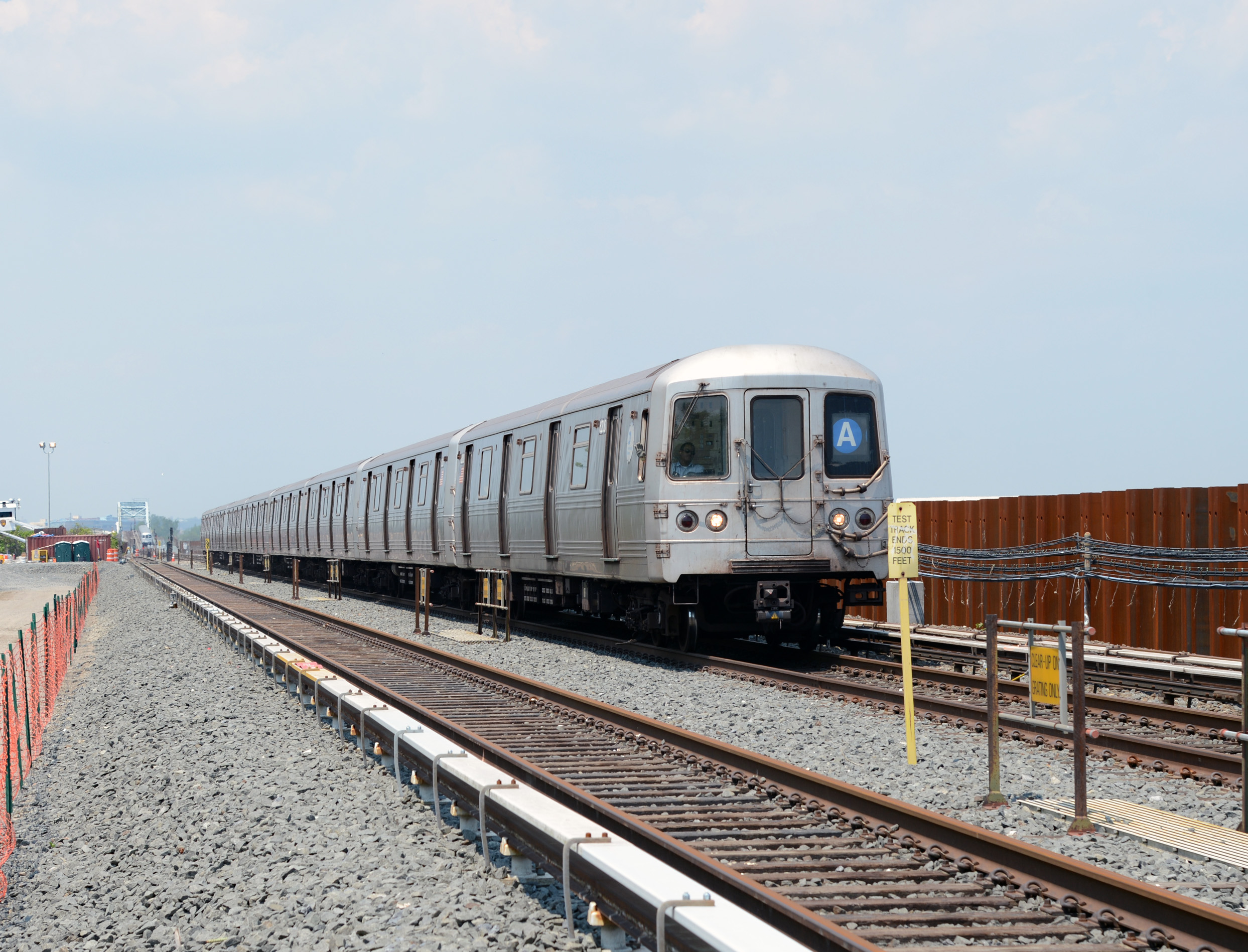 An A train approaches Broad Channel. Photo via Marc A. Hermann / MTA New York City Transit