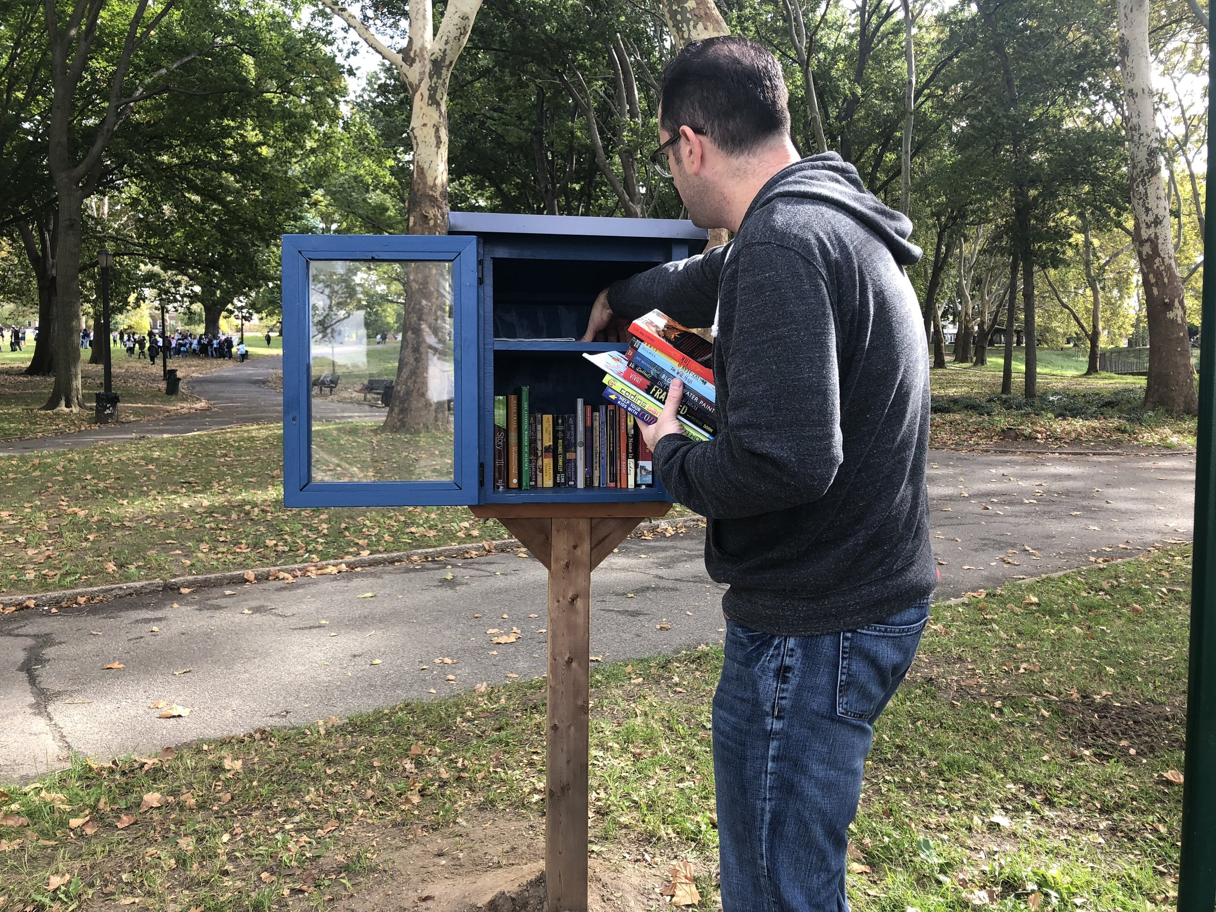 Astoria Park boasts a mini-library thanks to the Astoria Park Alliance.  Eagle  photos by Sarah Burchell.