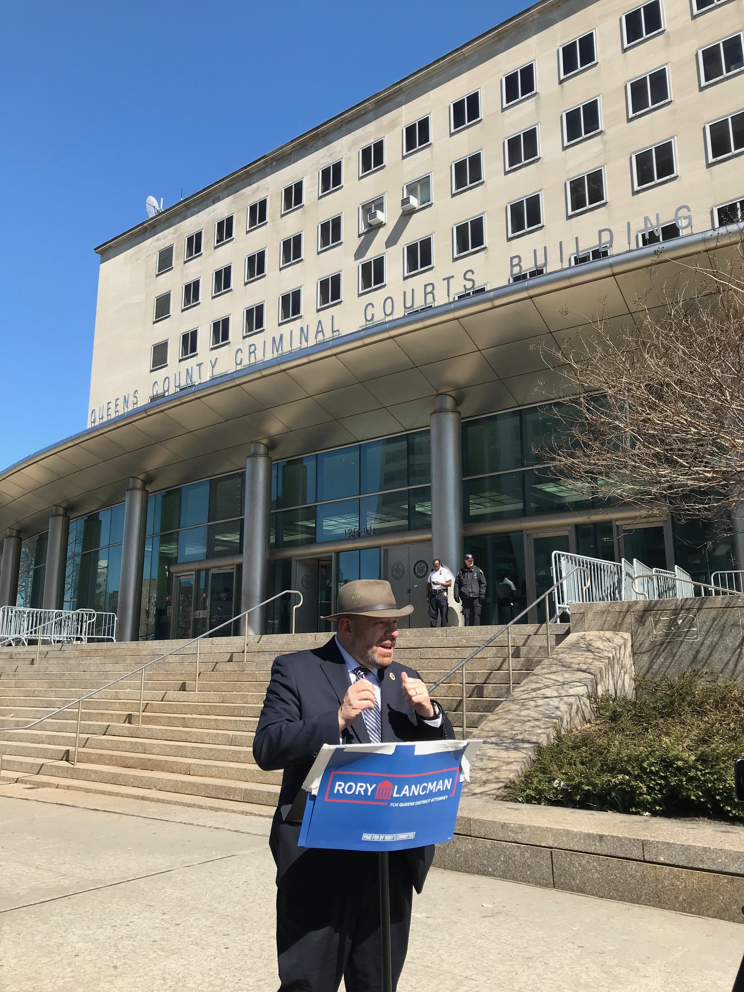 Lancman visited the Queens Criminal Courthouse to double down on his commitment to ending cash bail in Queens if elected DA.  Eagle  photo by David Brand.