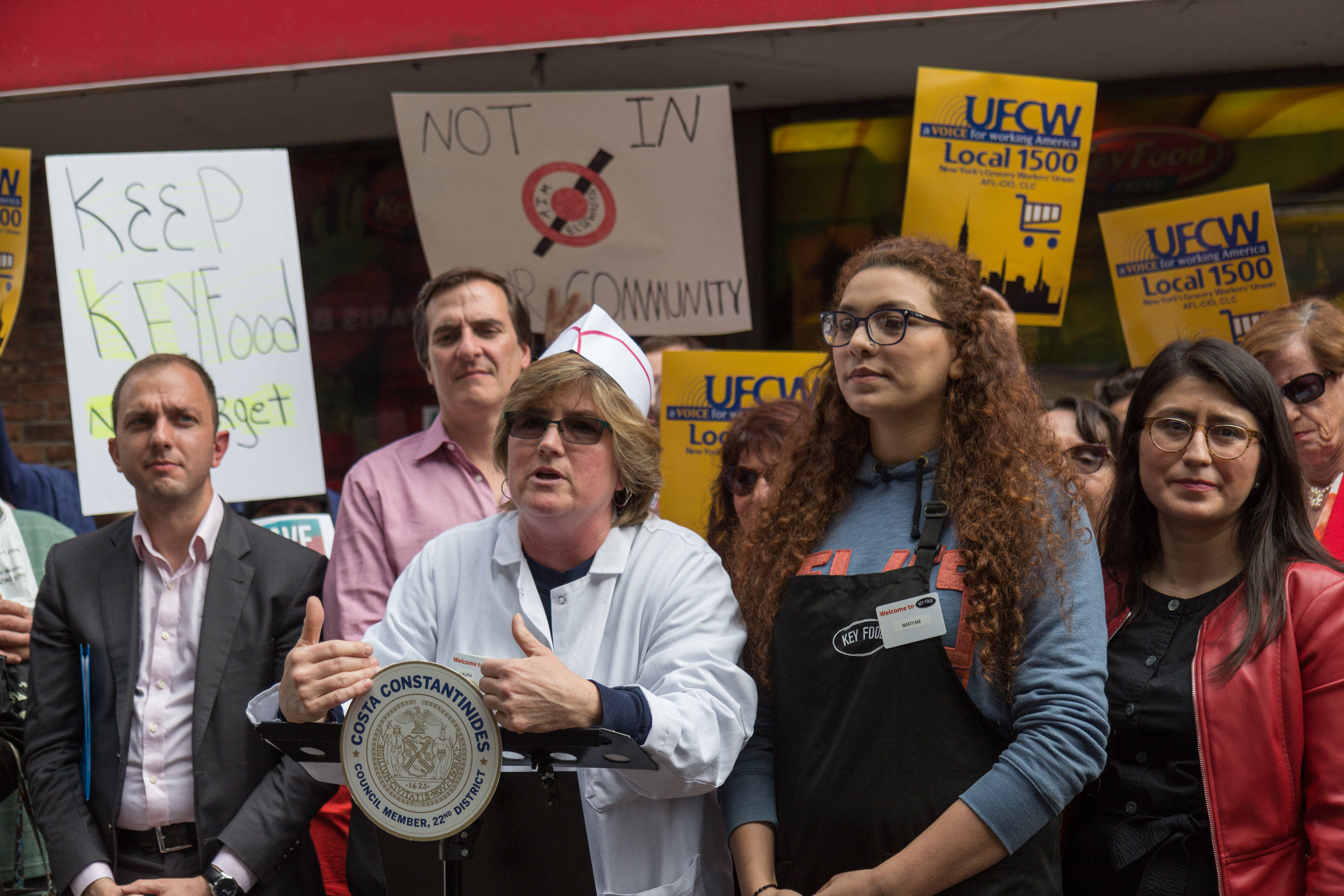 Deli Manager Laura Stevenson thanked Astoria community members for their patronage.  Eagle  photos by Jonathan Sperling.