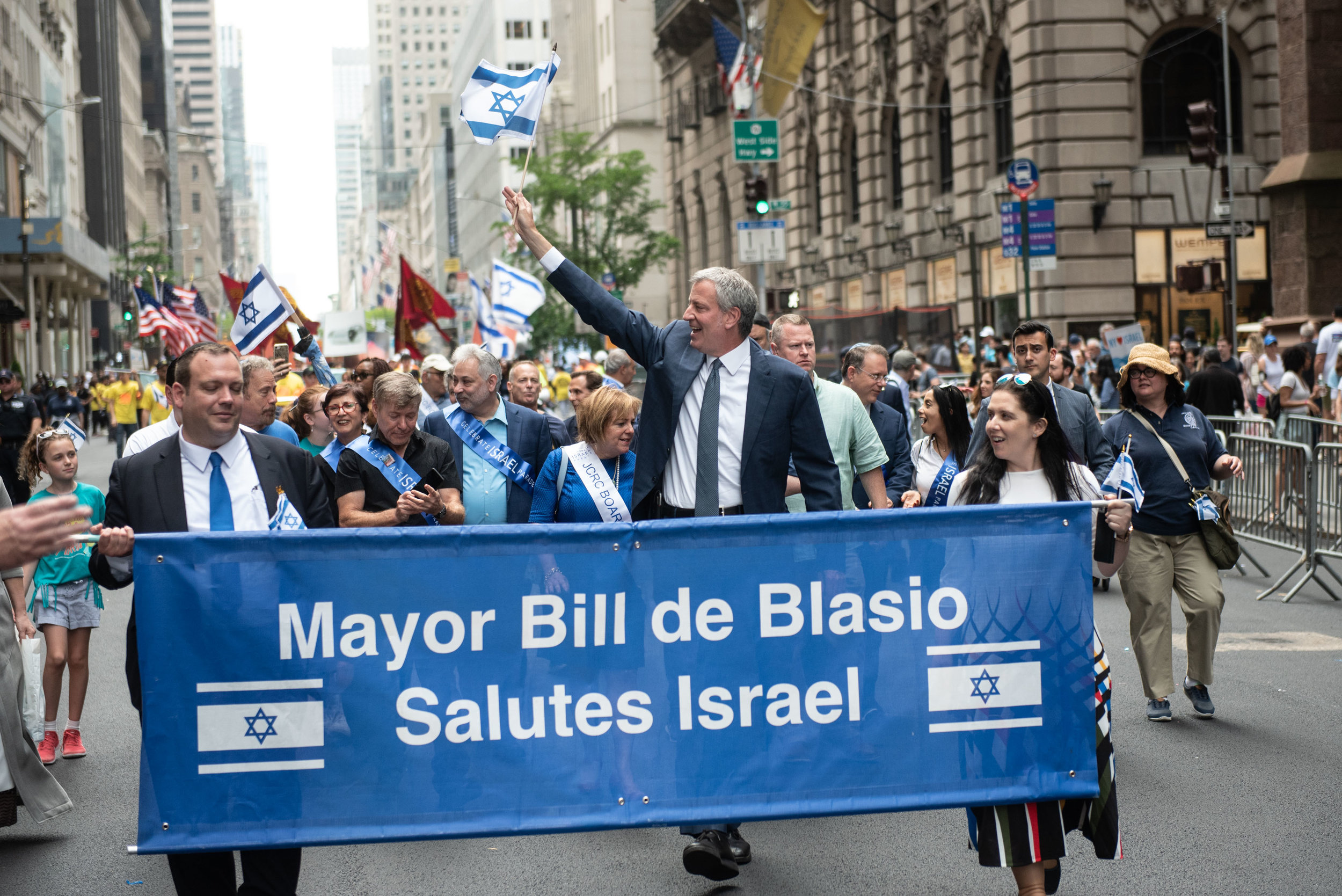 Mayor Bill de Blasio marches in the Celebrate Israel parade Sunday. Photo by Michael Appleton/Mayoral Photography Office.