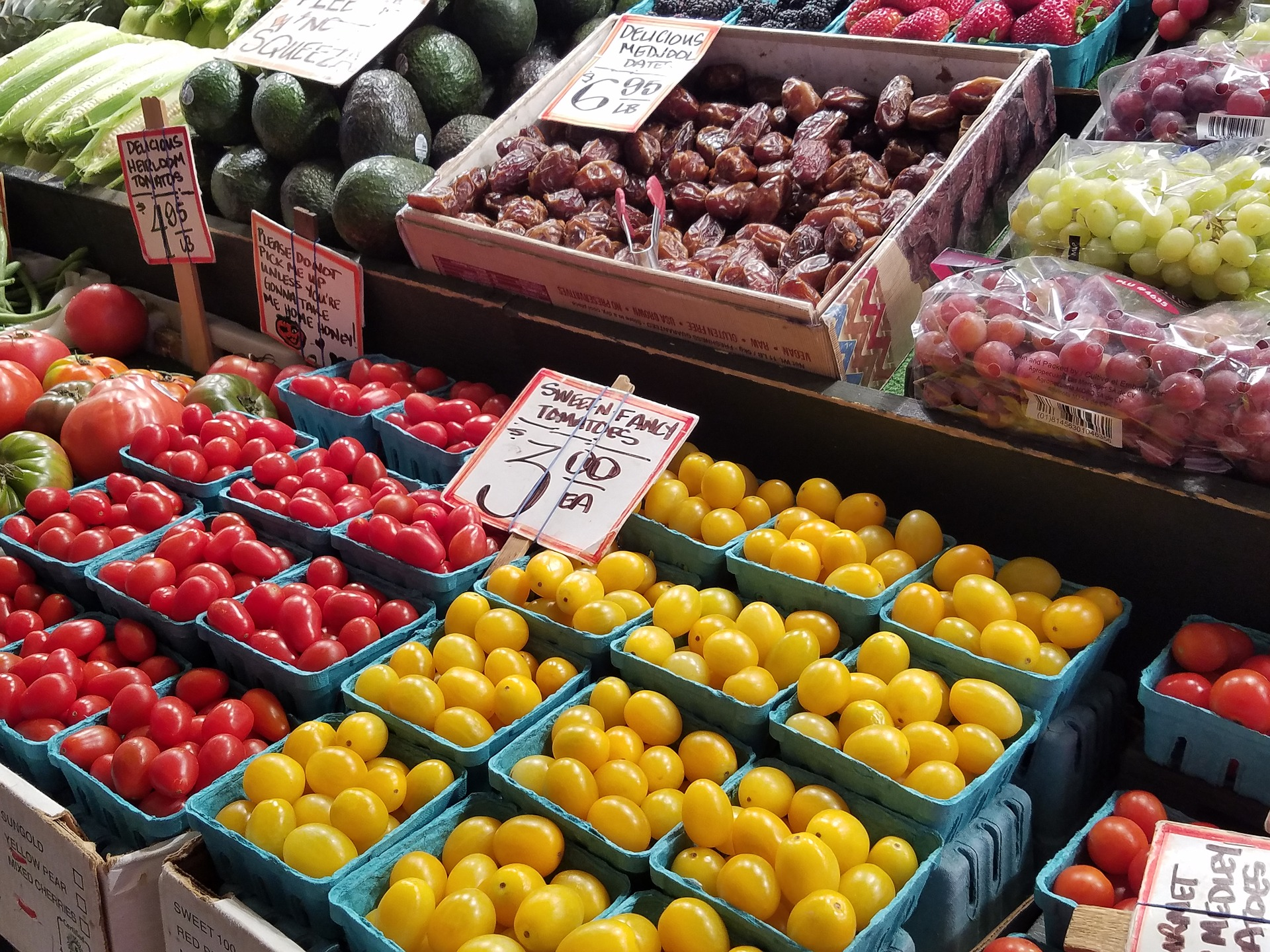 The Flushing Greenmarket first debuted in 2016. Photo by msprof68 via Pixabay.