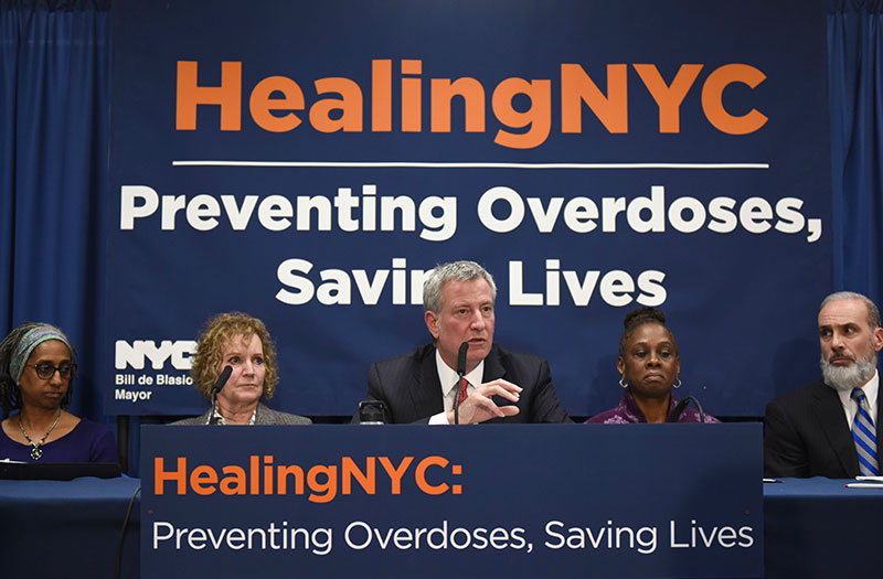 Mayor Bill de Blasio and First Lady Chirlane McCray introduce the Healing NYC initiative to address opioid abuse in March 2018.  Photo via NYC.gov