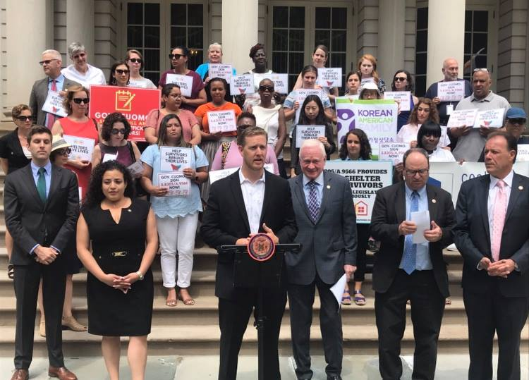 Assemblymember Andrew Hevesi condemned a letter from Gov. Andrew Cuomo to the MTA urging the transit agency to do more to stop homeless New Yorkers from sleeping on the subways. Photo via Hevesi's Office, file.