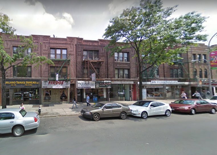 The Steinway Street apartment where police found the decomposing body of a 28-year-old woman on Friday. The woman's death was ruled a homicide Monday. Image via Google Maps.