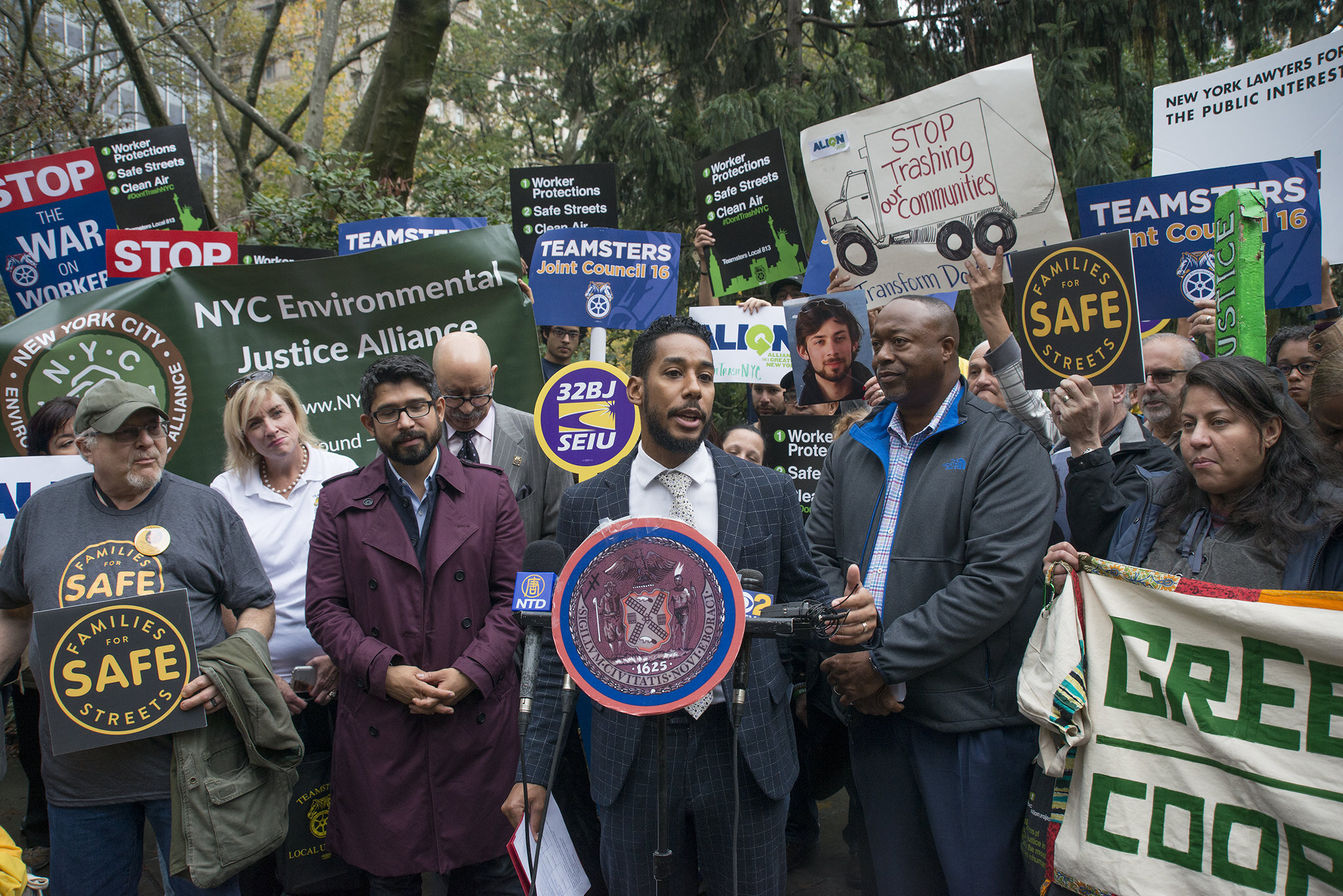 Councilmember Antonio Reynoso rallies for his commercial waste zones bill prior to Thursday's City Council meeting. Photo by City Council/Jeff Reed.