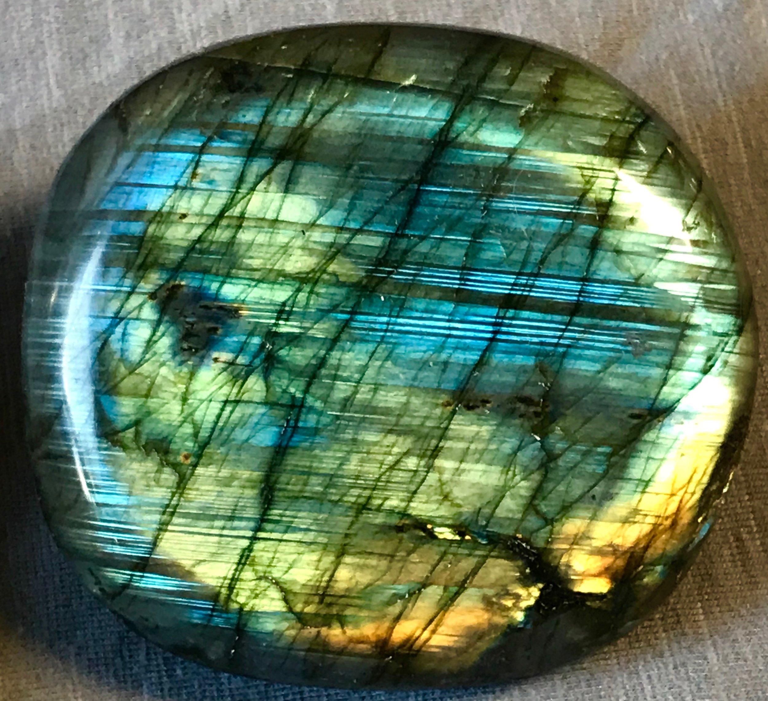 labradorite-palm-stone-photos-part2-01.jpg