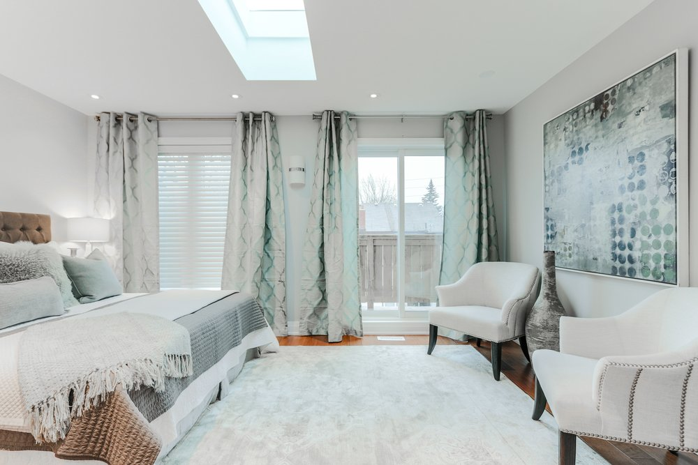 Silver Bed Room.jpg