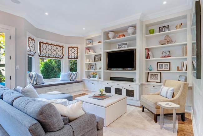 Pleasanton CA Toni Berry Marie Antoinette Interiors -roman-shades-custom-living-family-room-pattern.jpg
