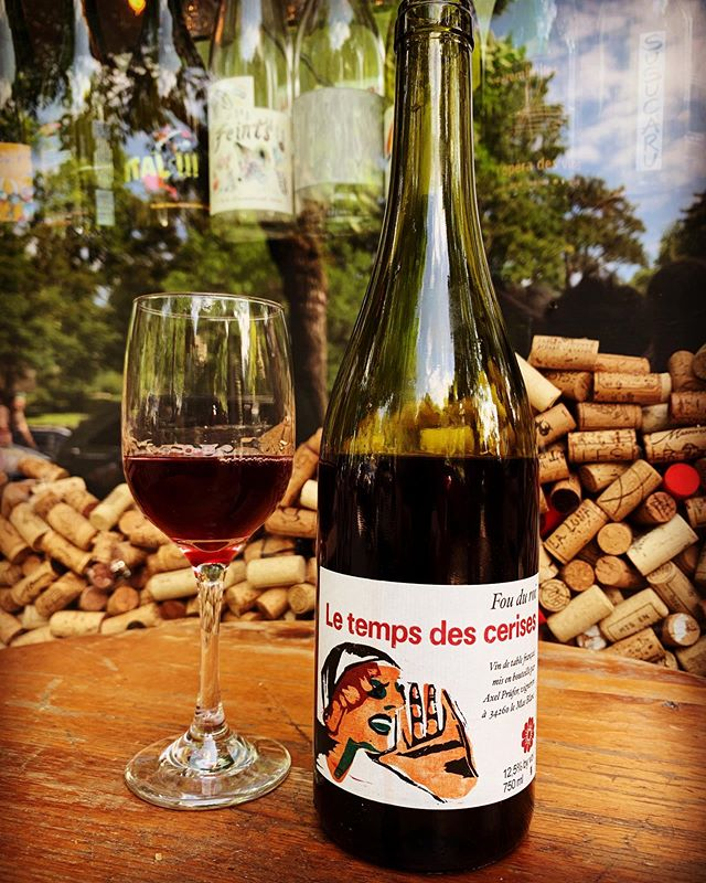 this is tasting ridiculously delicious right now and it's by the glass in very limited quantities.... Merci Axel Prüfer! #naturalwine imported by @camilleriviereselection