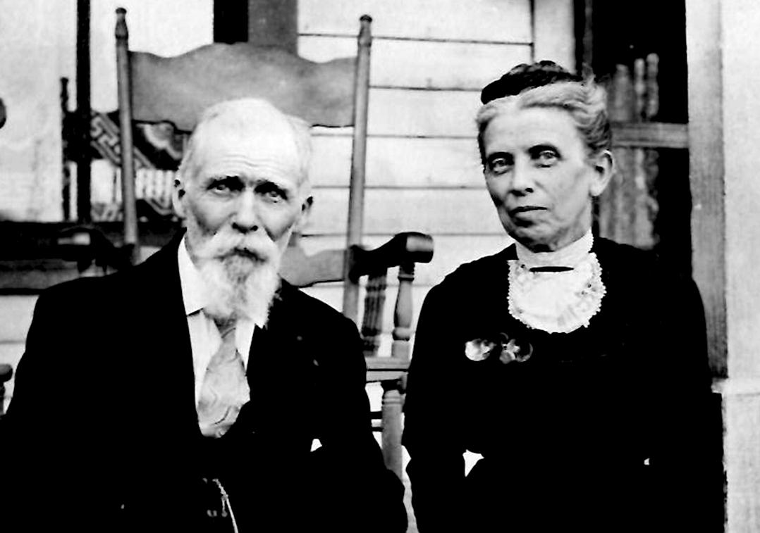 Caleb and Alice Jones, ca. 1910.