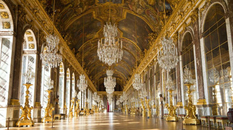 Hall-of-Mirrors-Palace-of-Versailles.jpg