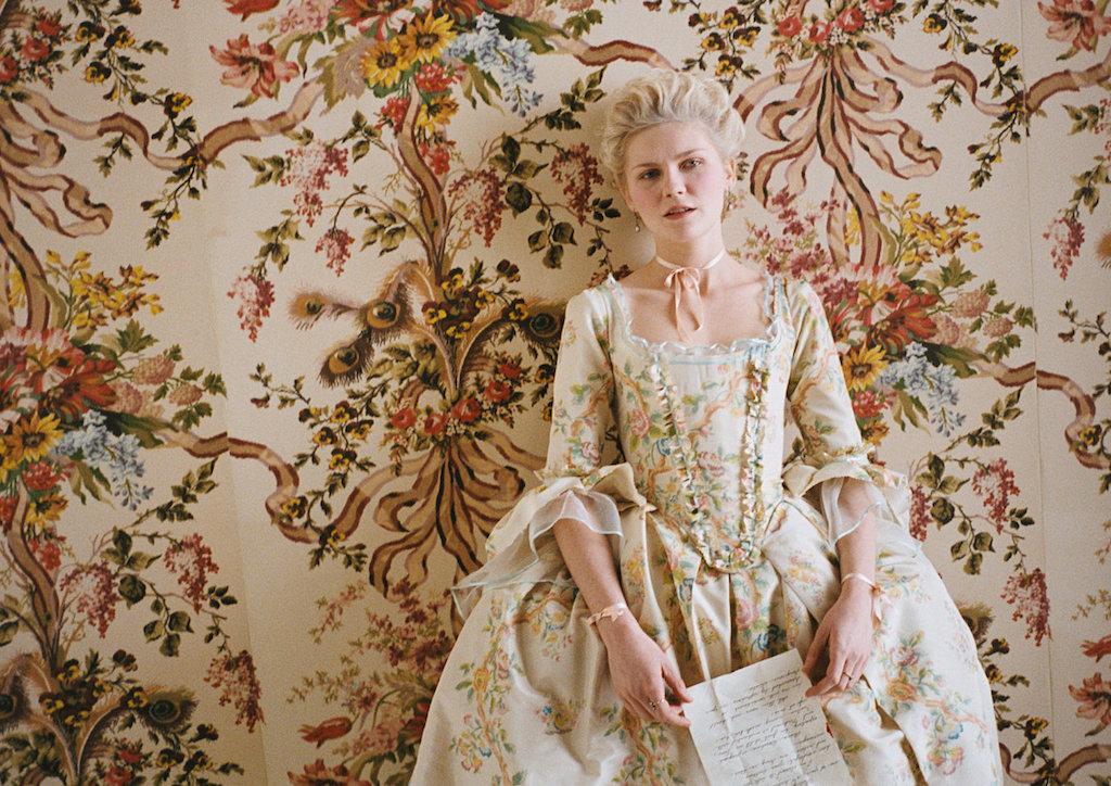 Kirsten-Dunst-in-Marie-Antoinette-2006.jpg