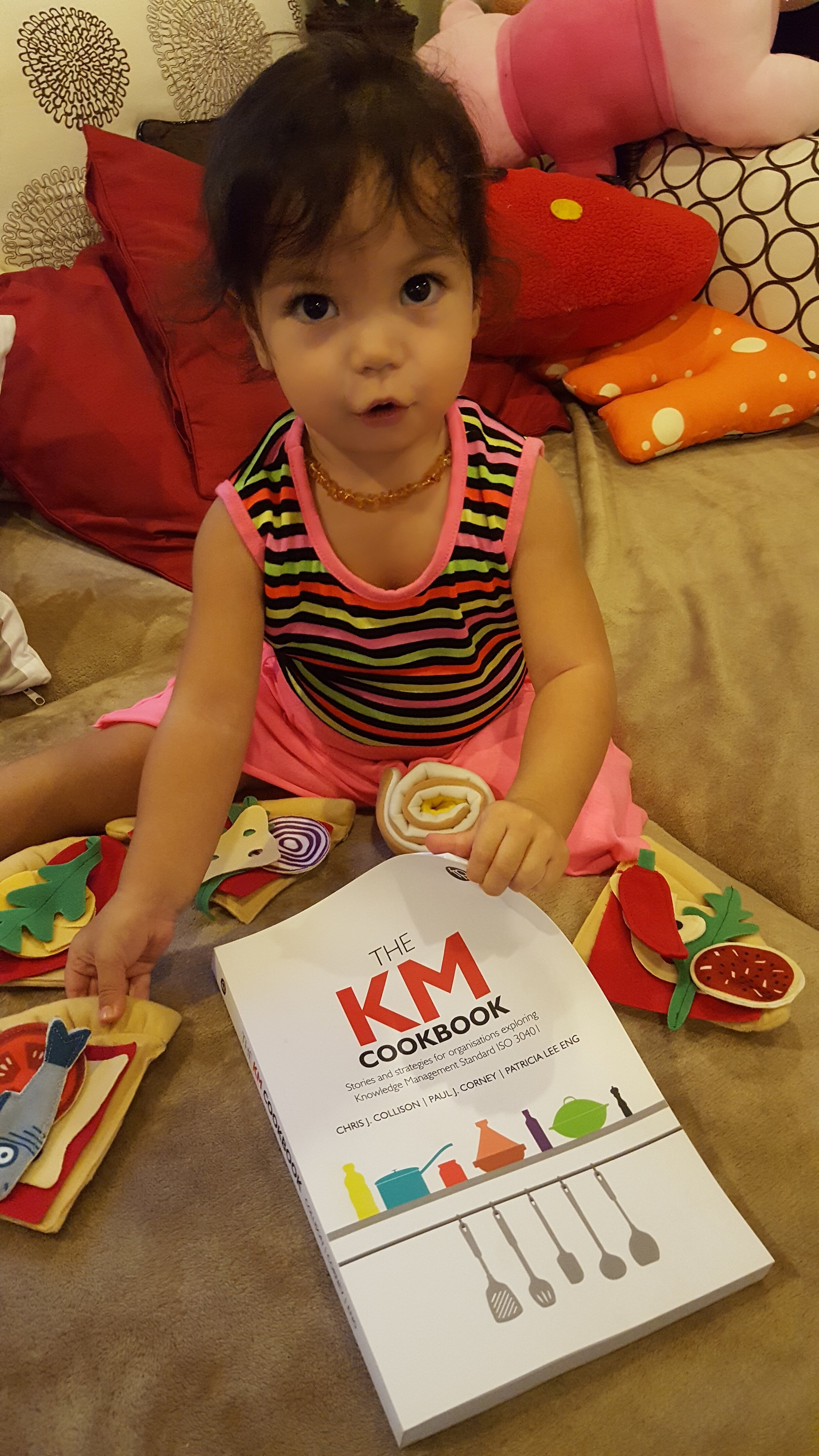 "Favourite Chelfie so far…  From Vince Ribiere: ""My daughter Emilie appreciates the KM Cookbook as much as I do at the Institute for Knowledge and Innovation Southeast Asia (Bangkok, Thailand) ! ;-) """