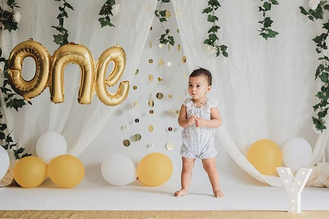 Over the next week I'll be sharing highlights from this cake smash session! Meet Yasnah 😍 . . . . .  #brisbanephotographer #goldcoastphotographer  #cakesmash  #firstbirthday  #cakesmashphotography  #radstorytellers  #lookslikefilmkids  #followthelight #thenarrativesociety  #loveandwildhearts  #familylove