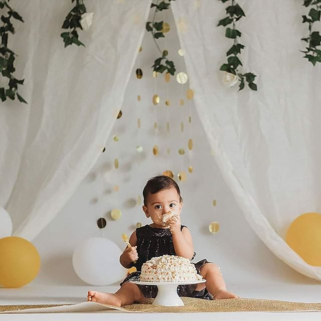 Yasnah had such a good time with her cake 🍰 . . . . . .  #cakesmash  #brisbanephotographer  #goldcoastphotographer  #orangeandpoppyseedphotography  #smashthecake  #cakesmashphotography  #childportraits #smalpresets  #firstbirthday  #lookslikefilmkids  #moodyportraits