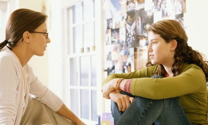 25234-parent-talking-to-teen-facebook.800w.tn.jpg