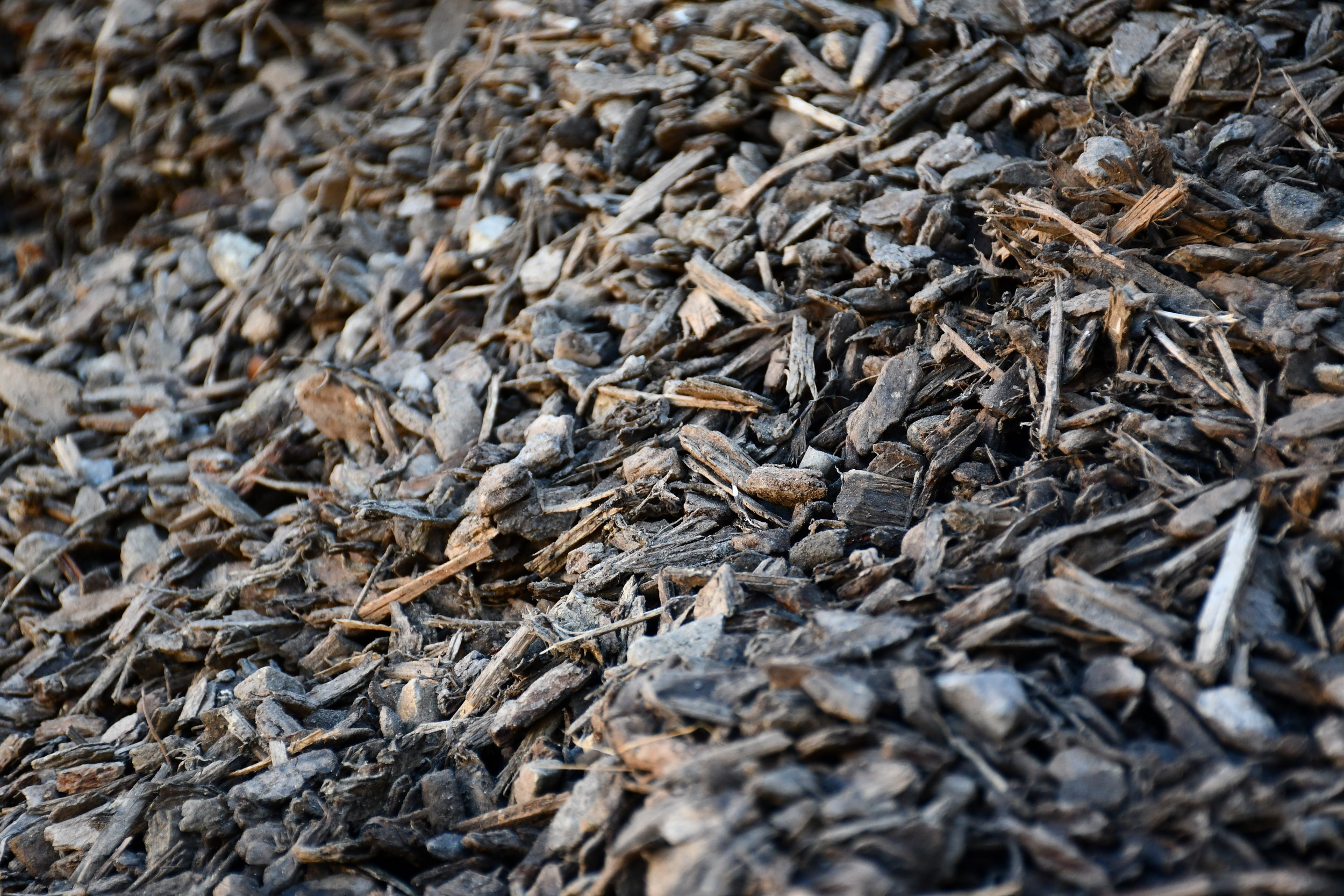 2. BLENMULCH - A 'weed-stopper' mix of bark and cambium to provide a natural decorative look as well as an effective mulch to gardens and other planted areas. Our bark mulch is specially screened or sourced to ensure top quality product free from sticks, stones and other foreign objects.Check our bark range here!