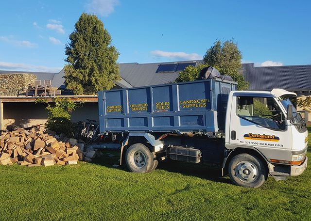 Let us do the hard yards and get your firewood load delivered to your residence today! We can usually do a 1-2 day turnaround from order, or deliver exactly when you need it. DELIVERY to anywhere in MARLBOROUGH.  #bestofmarlborough #marlborough #marlboroughnz #onlymarlborough #brillianteveryday #blenheimnz #blenhiem #pictonnz #firewood #firewooddelivery #blenheimbusiness #gardenmarlborough