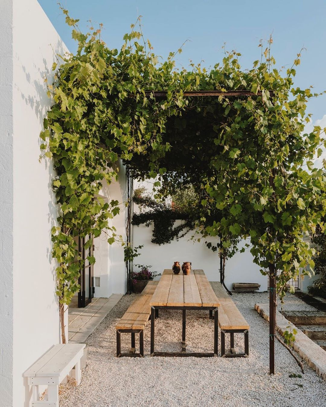 1. OUTDOOR LIVING - think covered seating areas for entertaining, overgrown pergolas and wide open courtyards with little shaded corners to escape the summer heat