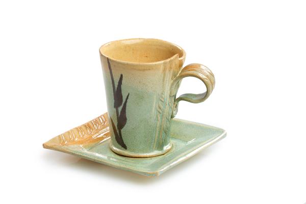 Cardinalli 1 cup & saucer-IMG_73628_lo-res.jpg