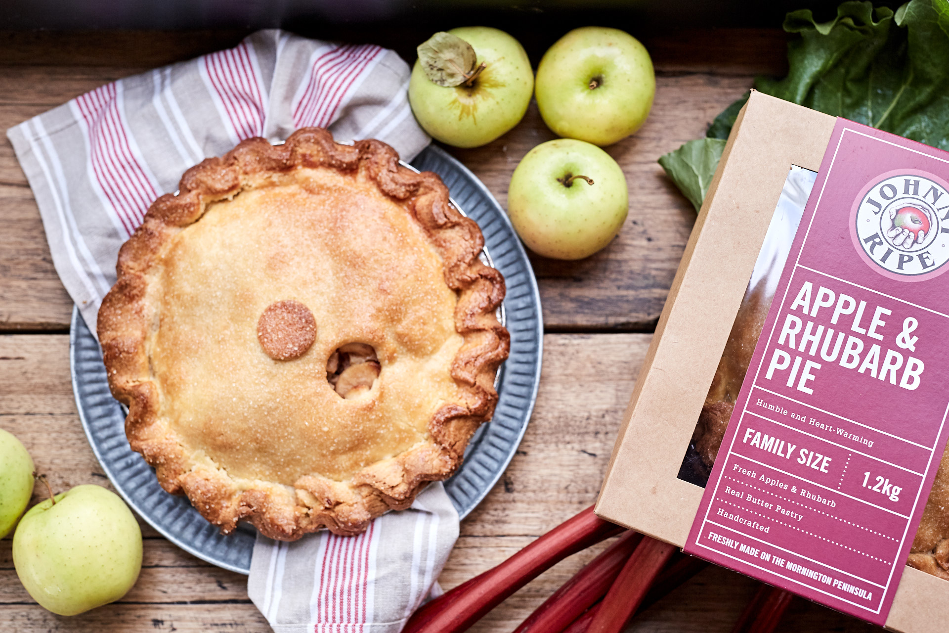 Johnny Ripe_Family Pie - Apple and Rhubarb- 55696.jpg