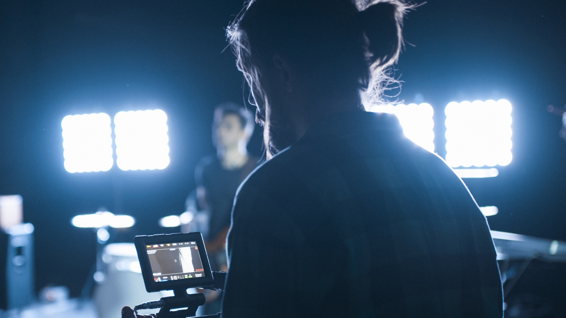 Specialist Workshops - A series of workshops focusing on different areas of filmmaking including Camera/Lighting, Editing, Make-up, Art Direction & Sound.